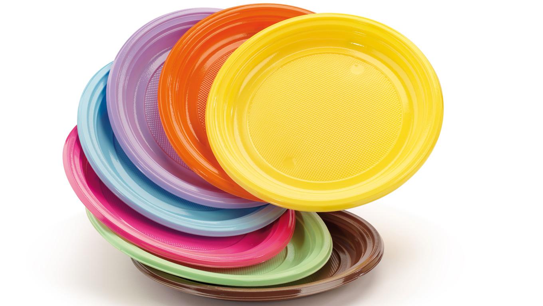 Dove si gettano i piatti i bicchieri e le posate di for Piatti e bicchieri colorati