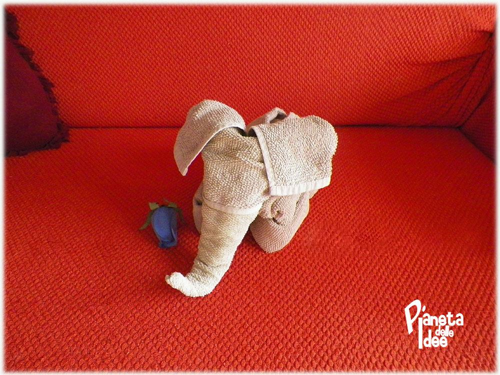 Piegare Asciugamani Forme : Come realizzare un elefante di asciugamani pianeta delle idee