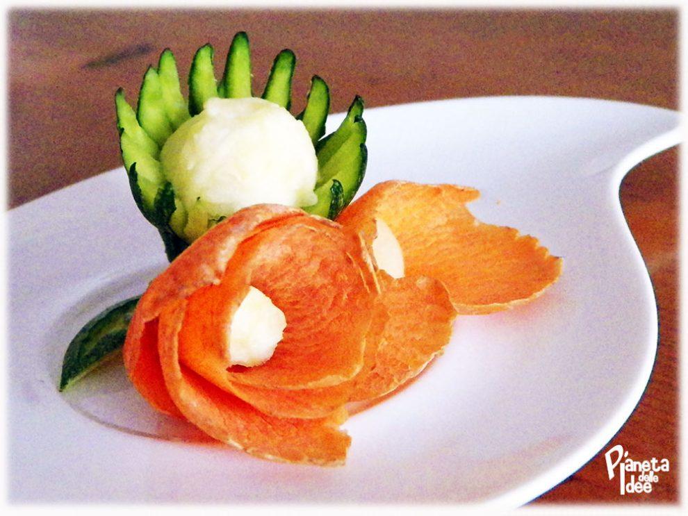 Come realizzare fiori decorativi di carote e zucchine!