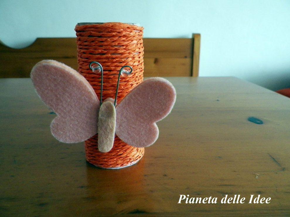 Riciclo creativo porta penne o porta fiori di carta con - Porta carta igienica ...