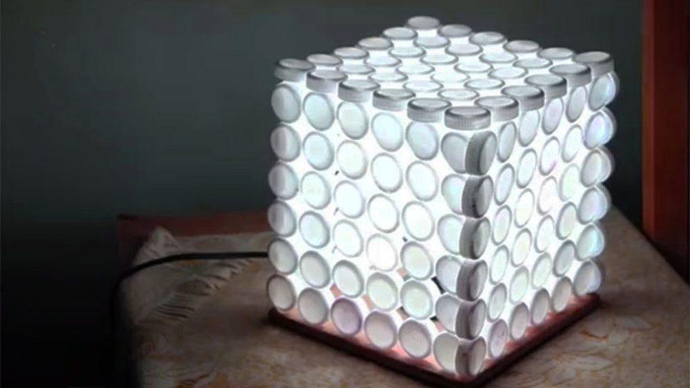 Fare una lampada riciclando i tappi di plastica pianeta delle idee